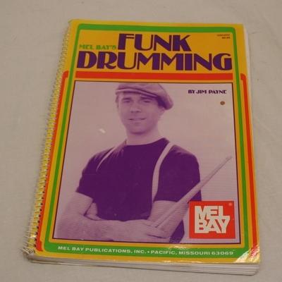 muziekboek 15 funk drumming mel bay's